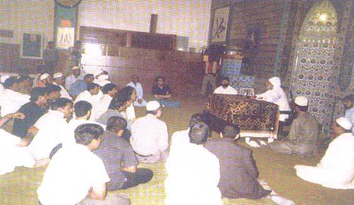 Gohar Shahi speaking before a Hanbali and Maliki Muslim audience in the Turkish Mosque in Brooklyn, New York USA